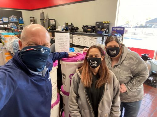 Haviland Pool & Spa's Northeast Regional Sales Manger, Al Bornemann and the Swimmin' With The Fishes team know how to save and extend sanitizer with ProTeam!Visit bit.ly/3WaysPT to learn how you can save chlorine this season!#3waystosavesanitizer #havilandpoolandspa #proteamsupreme #proteam #borates #balancecleanremove